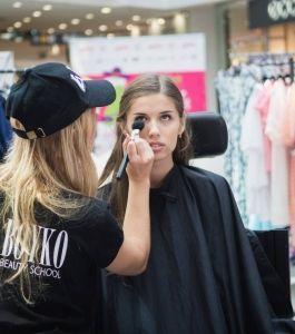 Boyko_Beauty_School_Sky_Mall_Shopping_Brunch_006