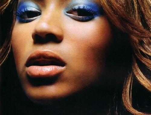 5 основных правил применения цвета для создания стильного вечернего макияжа.
